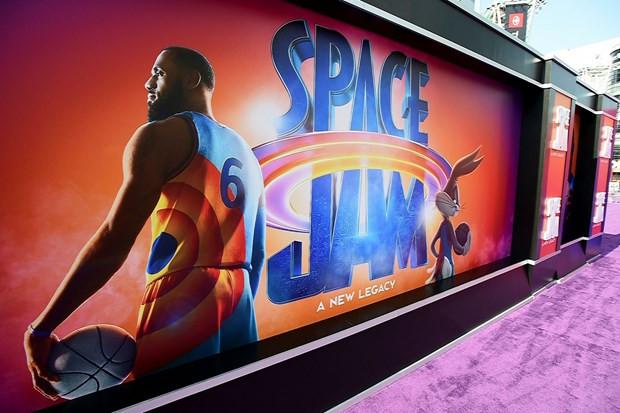 """""""Space Jam"""" tai xuat, soan ngoi dau Bac My cua """"Goa phu den"""" hinh anh 1"""