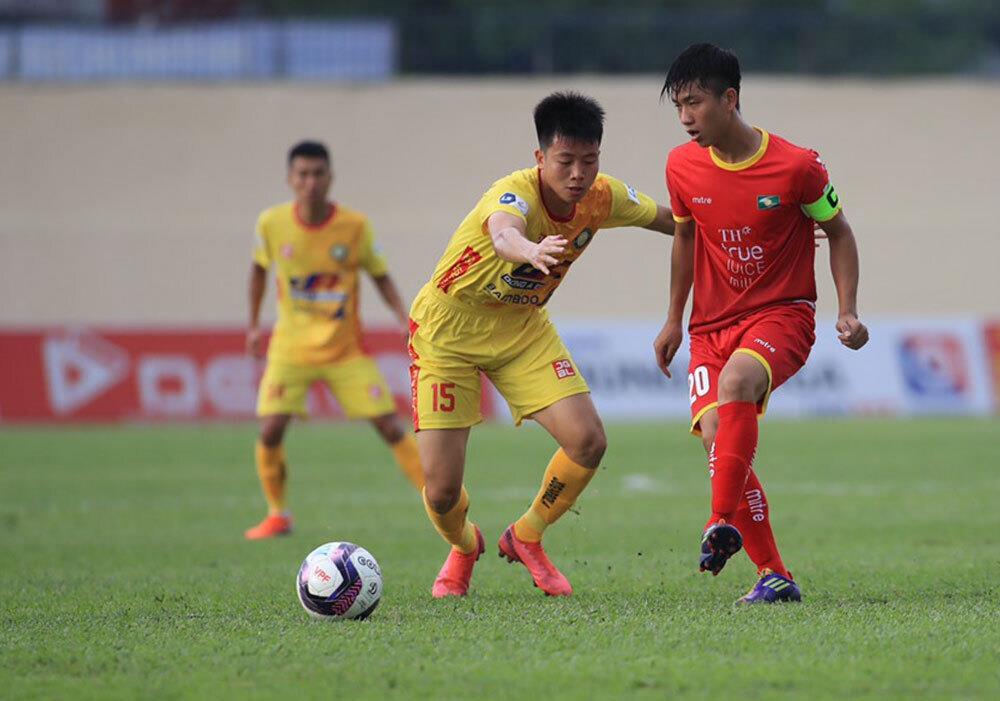 Hoãn V-League sang 2022: CLB thiệt hại nặng nề, khó đàm phán với cầu thủ - 2