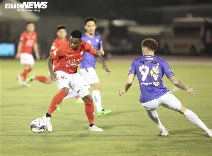 Hoãn V-League sang 2022: CLB thiệt hại nặng nề, khó đàm phán với cầu thủ - 4