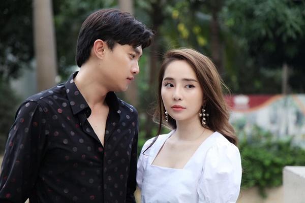Dàn tình cũ khó ưa, không rủ cũng tới trong phim Việt-4