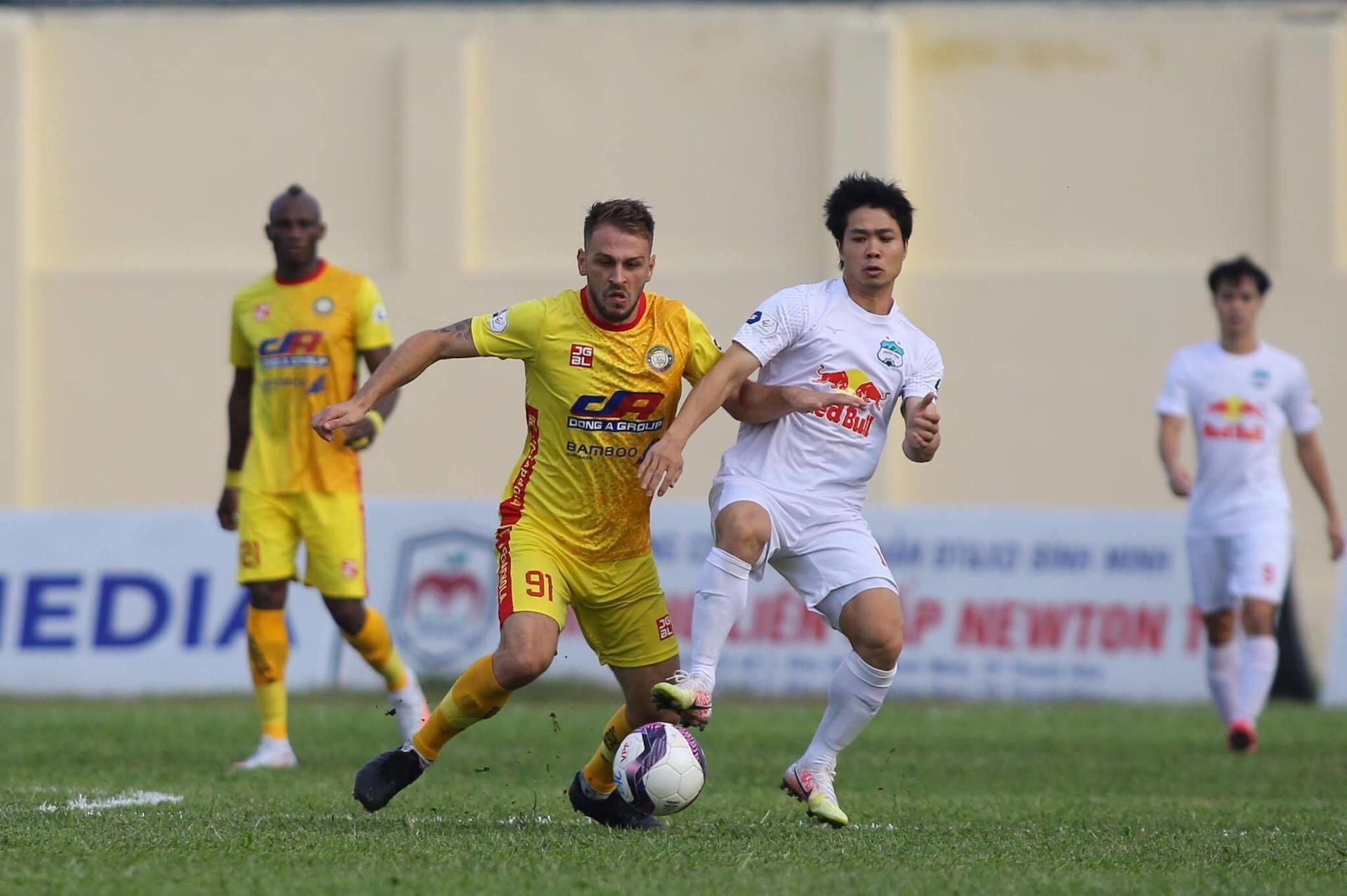 V-League nguy cơ hoãn sang năm 2022: Đừng để đứt gãy bóng đá Việt Nam  - 3