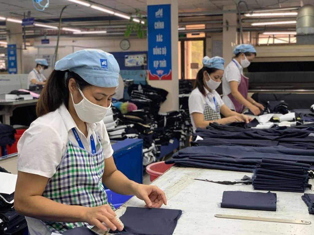 BHXH vào cuộc hỗ trợ người lao động, doanh nghiệp khó khăn do COVID-19 - 1