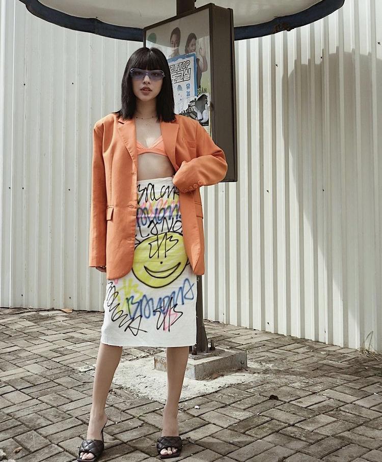 Phối trang phục sắc cam sang chảnh ngày hè như Hà Hồ, Ngô Thanh Vân-4