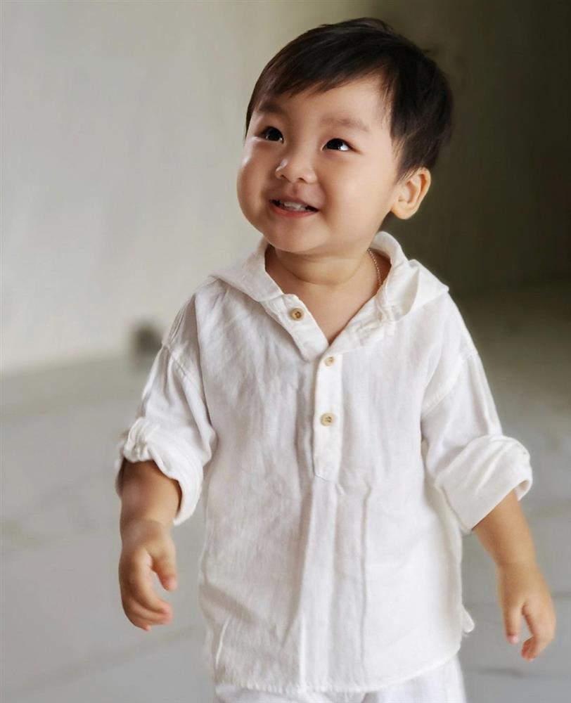 Phong cách thời trang cưng xỉu của soái ca nhí nhà Hoà Minzy, Trà My Idol-1