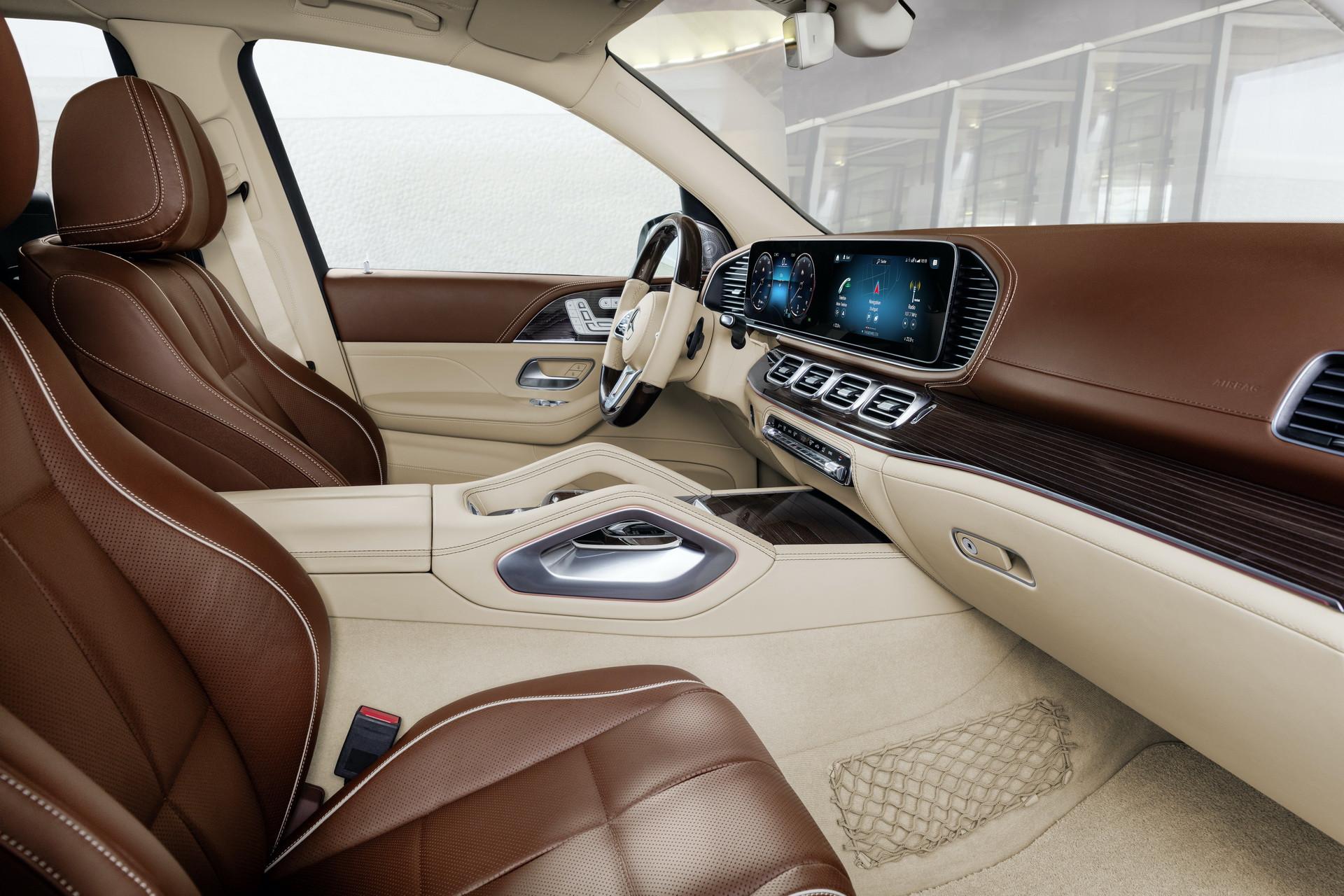 Hàng ghế lái của Mercedes-Maybach GLS 600 4MATIC