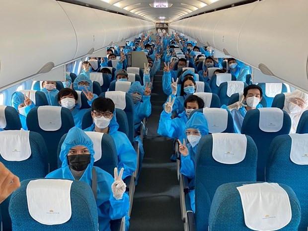Vietnam Airlines dua hon 600 nguoi dan Da Nang tro ve tu TP.HCM hinh anh 1