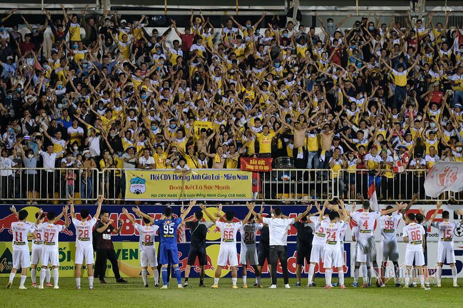 Bầu Đức phát biểu dậy sóng, V-League chờ kết bất ngờ - 3