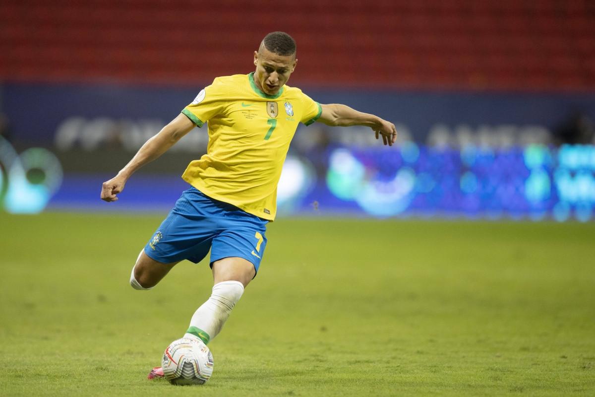 3. Tiền đạo Richarlison   Brazil   Everton   Định giá chuyển nhượng: 55 triệu Euro