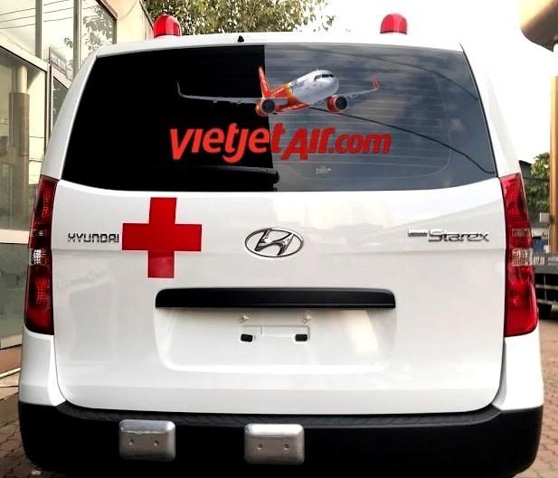 Vietjet cho mien phi y bac sy, vaccine, tang xe cuu thuong cho TP.HCM hinh anh 7