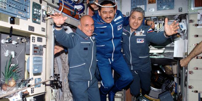 Jeff Bezos đã đi đến rìa của không gian, như vậy ông có phải là phi hành gia không? - Ảnh 6.