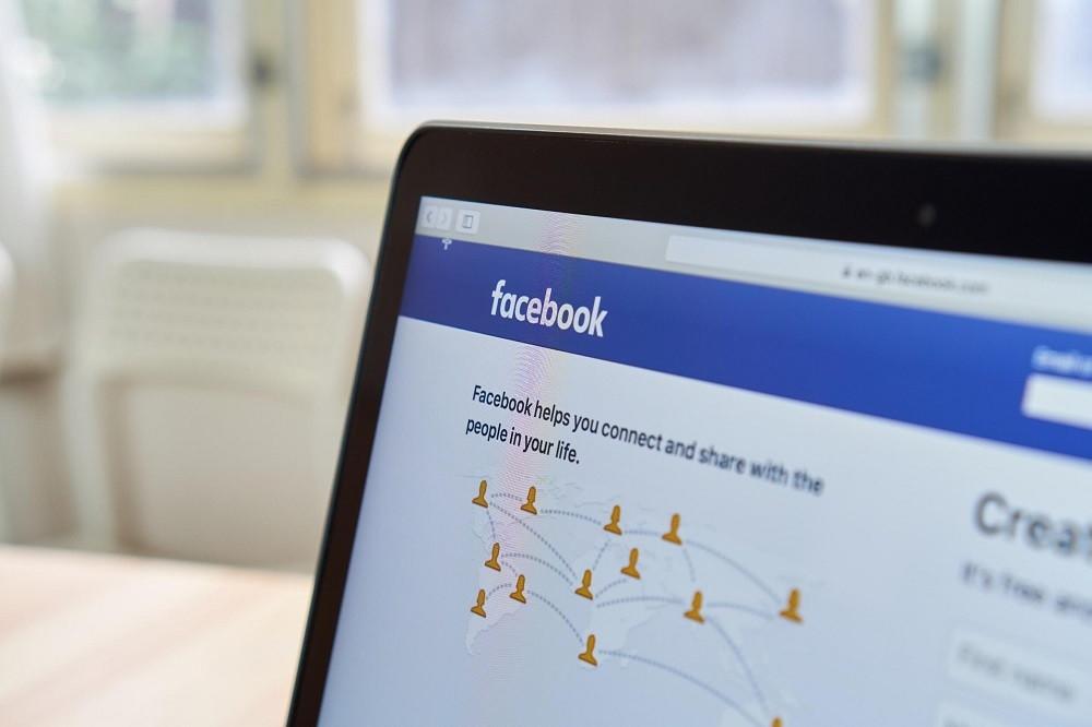 Facebook chặn hashtag #VaccinesKill, muộn hơn 2 năm so với Instagram