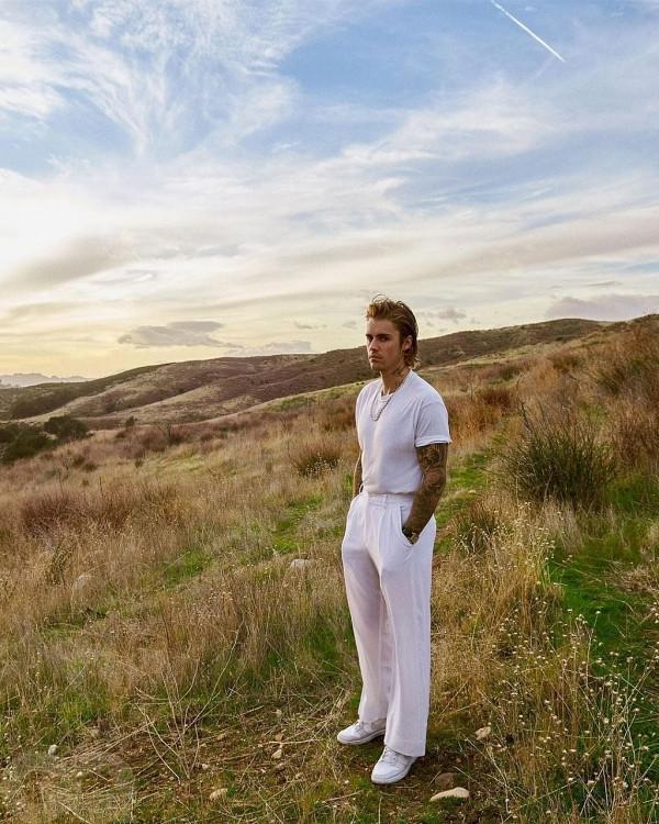 Justin Bieber vượt Drake, trở thành nghệ sĩ solo trẻ nhất có 100 bài hát nằm trong Billboard Hot 100 ở tuổi 27