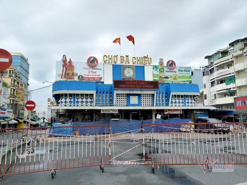 Siêu thị Sài Gòn lại báo 'cháy hàng' mỳ tôm, miến khô