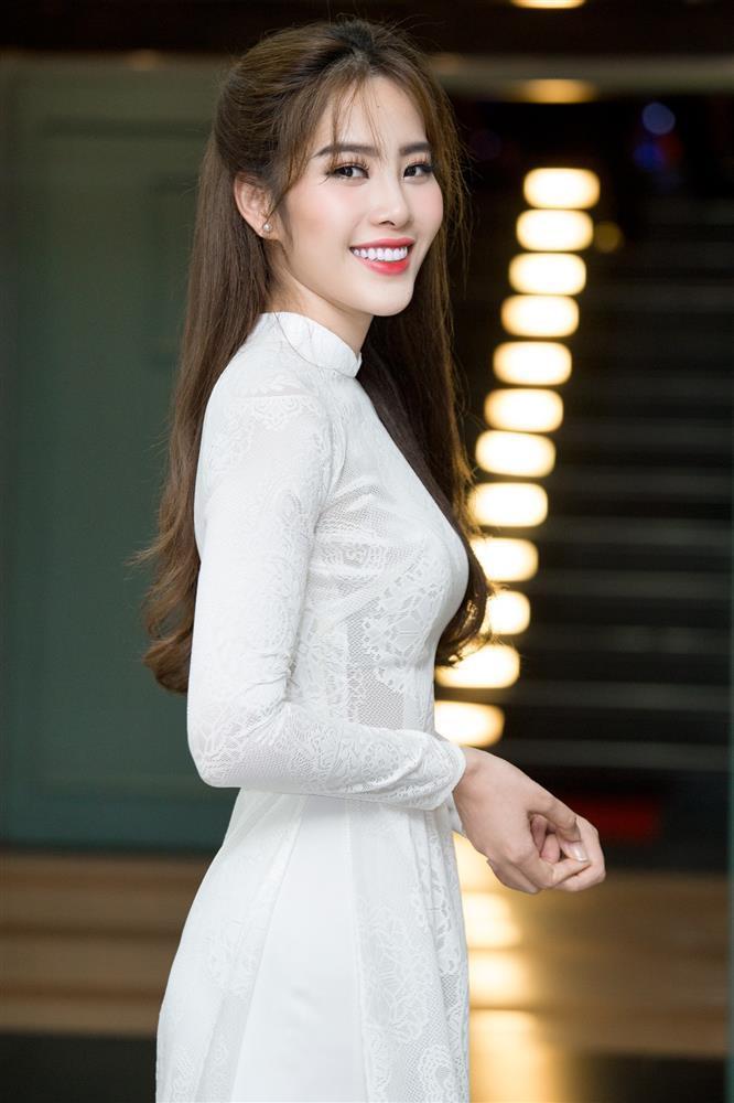 Netizen đào lại clip Nam Em hát live đánh bay sự nghiệp Chi Pu-1
