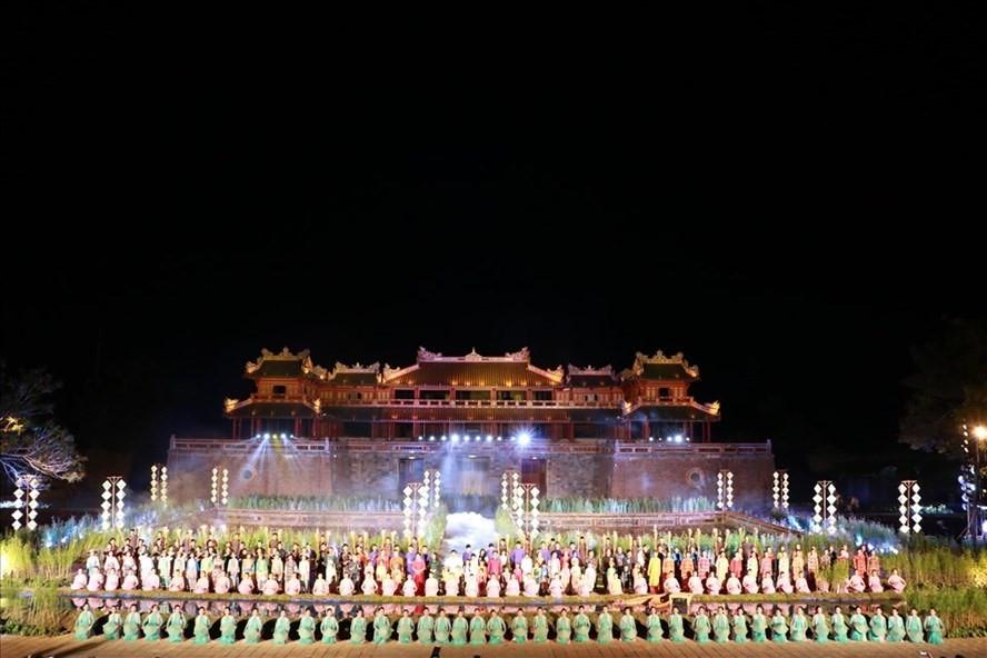 Festival nghề truyền thống Huế 2021 tiếp tục hoãn vì dịch COVID-19 - 1