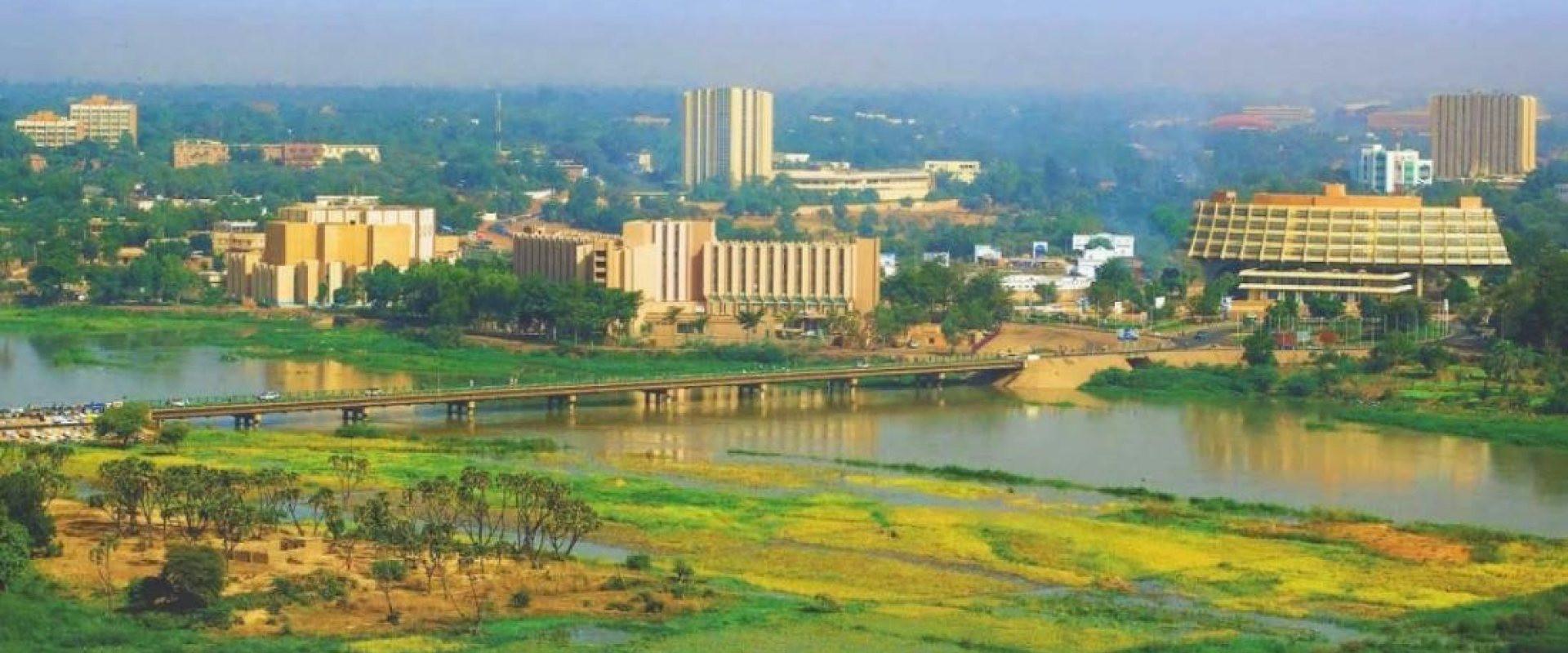 Khám phá đất nước ở Châu Phi bị Covid-19 'lãng quên' - 2