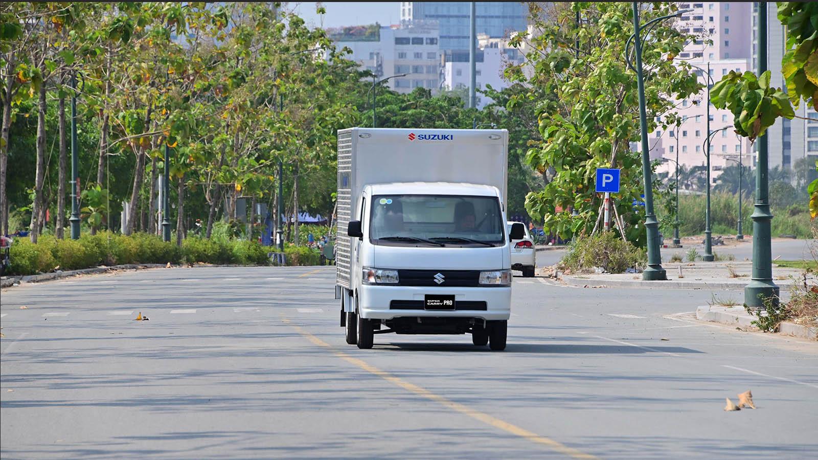Suzuki Carry Pro - xe tải nhẹ đáp ứng mọi nhu cầu vận chuyển nhờ khả năng vận hành linh hoạt và tiết kiệm nhiên liệu vượt trội.