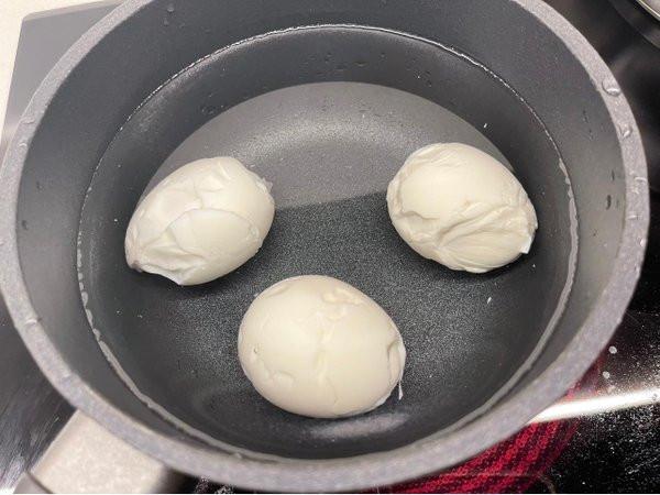 Chỉ mỗi việc luộc trứng, Hari Won cũng khiến netizen mỉa mai 1