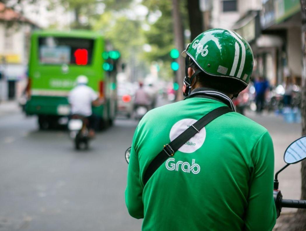 Hà Nội giãn cách theo Chỉ thị 16, taxi và xe công nghệ tạm dừng hoạt động
