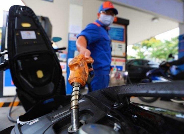 Đại gia xăng dầu lãi lớn giữa đại dịch: Người dân, doanh nghiệp vận tải méo mặt - 1