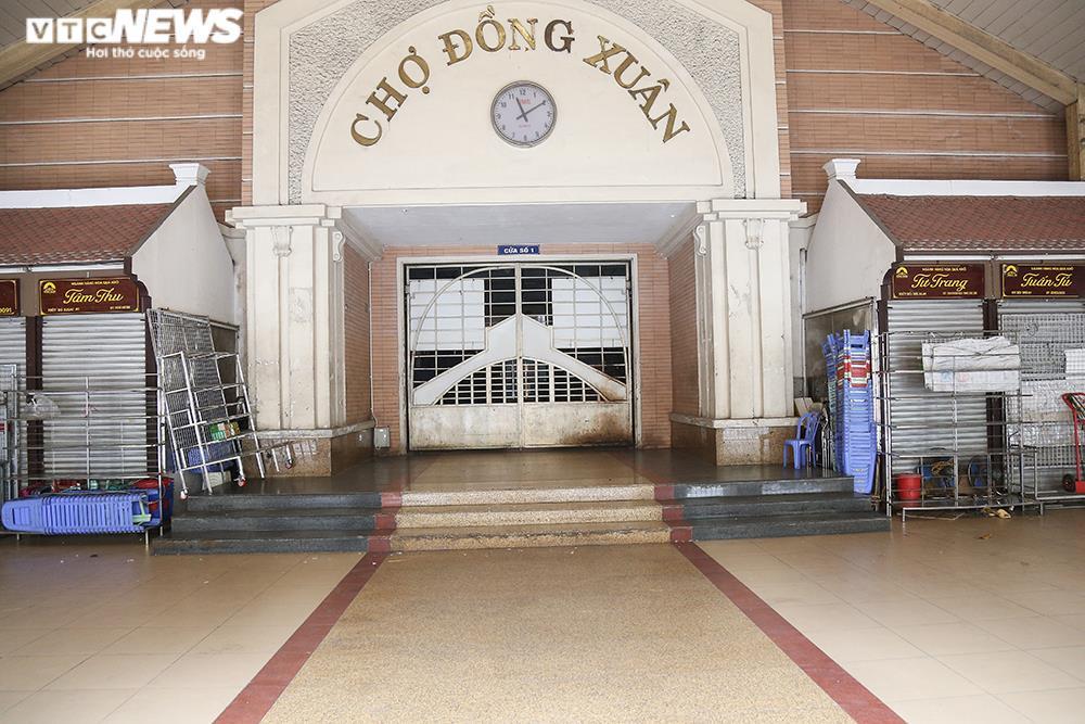 Ảnh: Chợ lớn nhất Hà Nội đìu hiu sau công điện khẩn chống dịch COVID-19 - 2