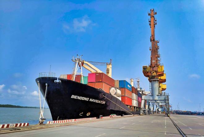 Huy động tàu biển vận chuyển miễn phí hàng hóa đến TP.HCM  - 1