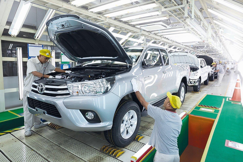 COVID-19 khiến 3 nhà máy Toyota ở Thái Lan tạm dừng hoạt động - 1