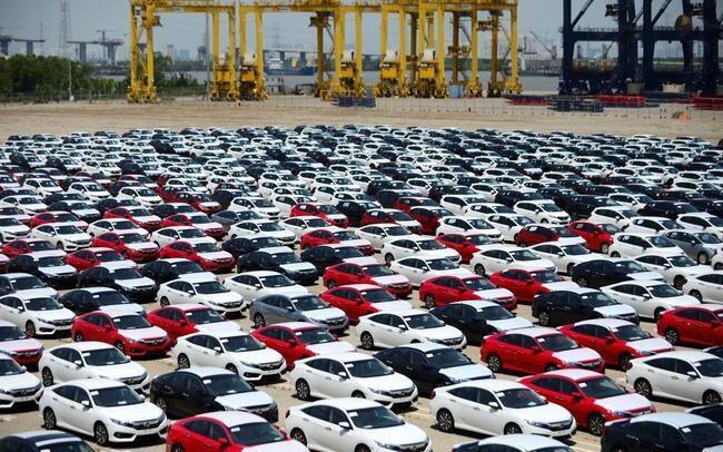 Hơn 90.000 ô tô nguyên chiếc nhập khẩu đổ về Việt Nam - 1