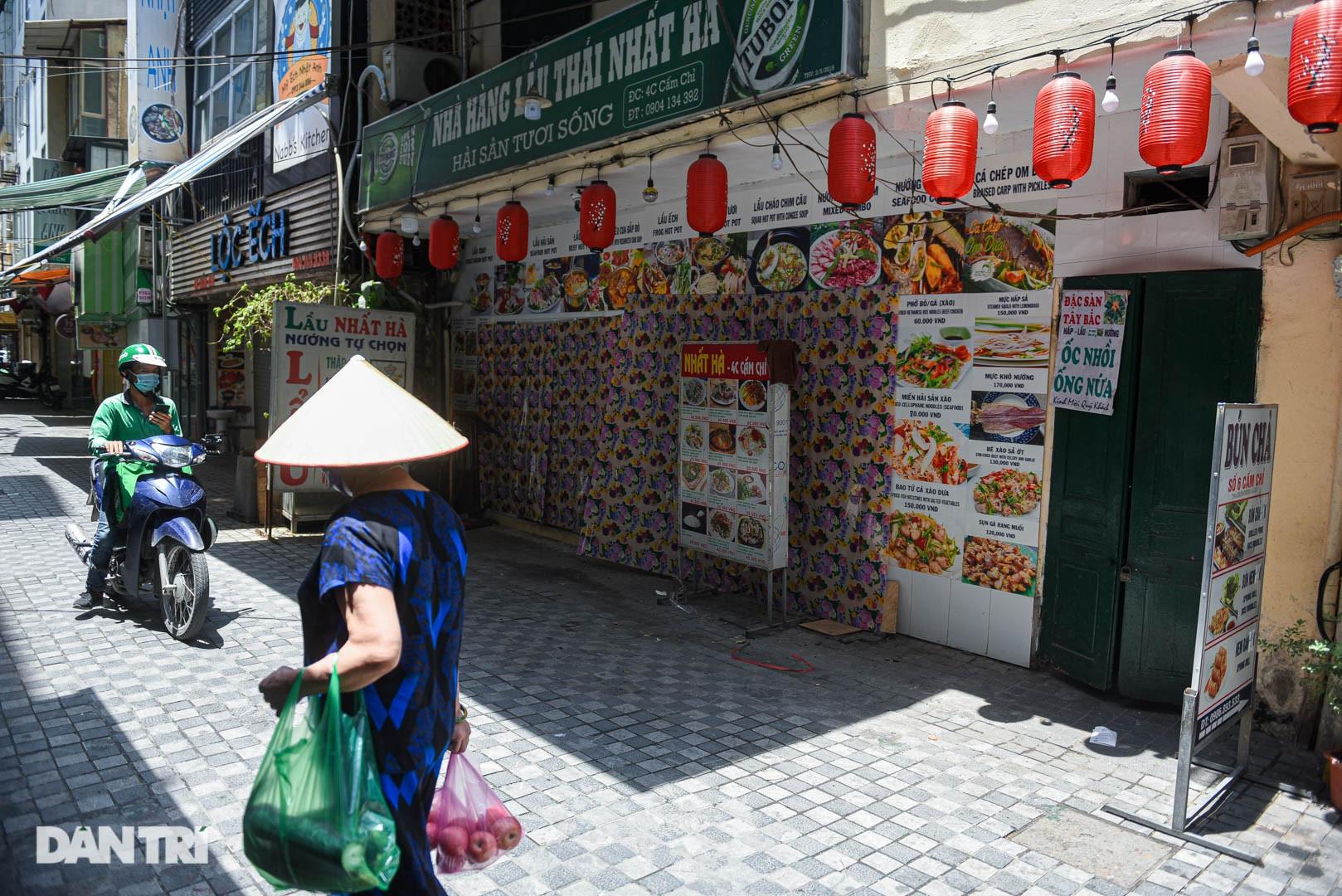 Cảnh cửa đóng then cài, đìu hiu ở phố ẩm thực không ngủ Hà Nội - 7