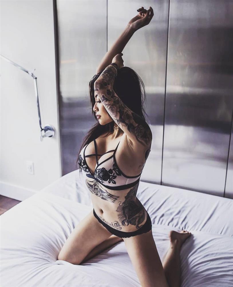 Cassie Trinh Võ - bồ cũ Binz thích phơi ngực trần, Ngân 98 thua xa-2