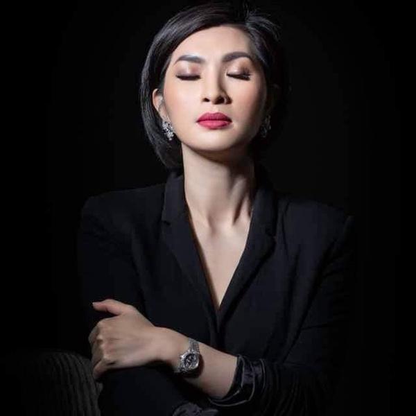 Nguyễn Hồng Nhung: Có người dí hình nóng xem có đúng là tôi không-3