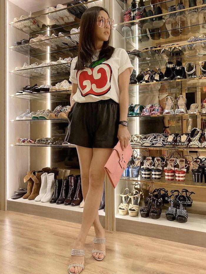 Sao Việt khoe tủ đồ hàng hiệu đắt ngang căn penthouse-13