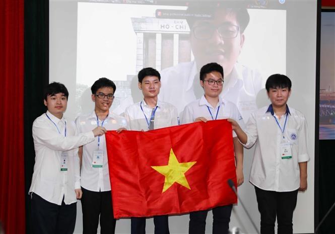 Cả 6 thí sinh Việt Nam tham dự Olympic Toán học quốc tế 2021 đều giành huy chương. (Nguồn: TTXVN)