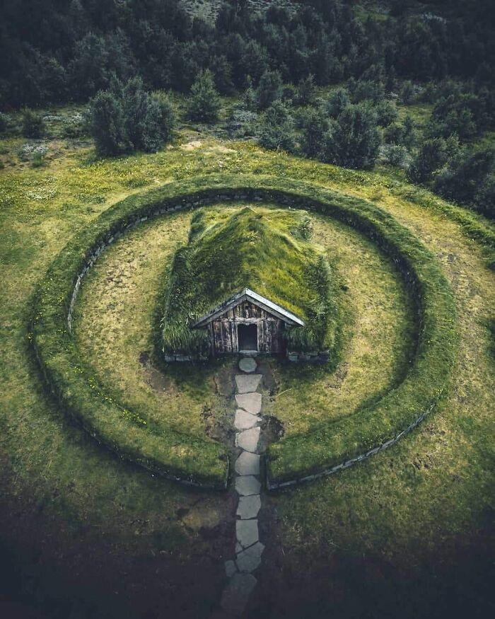 Mê mẩn những căn nhà gỗ nhỏ xinh ẩn mình giữa thiên nhiên - 4