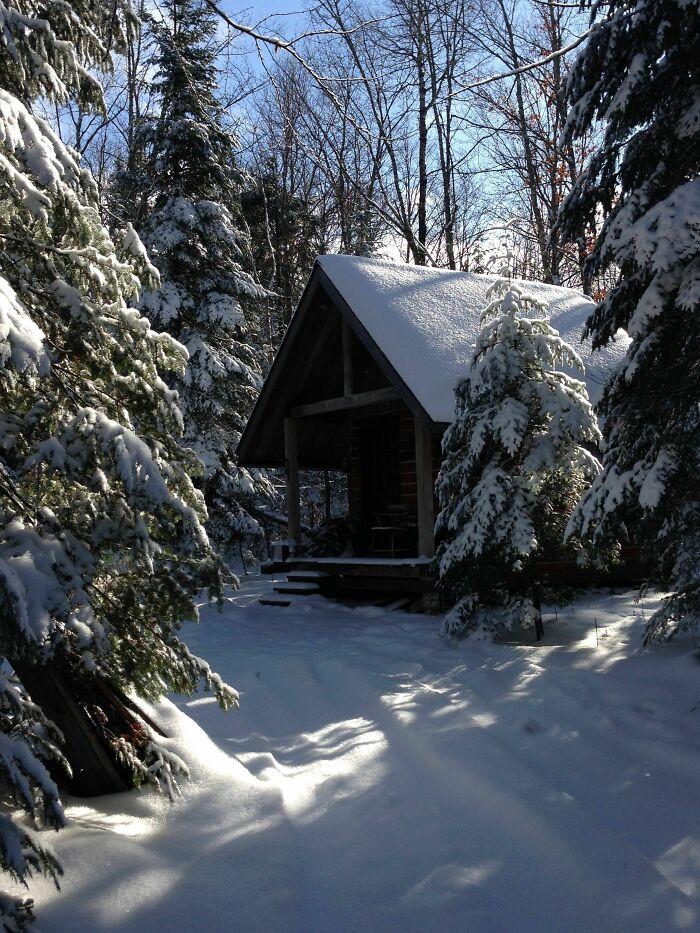 Mê mẩn những căn nhà gỗ nhỏ xinh ẩn mình giữa thiên nhiên - 6