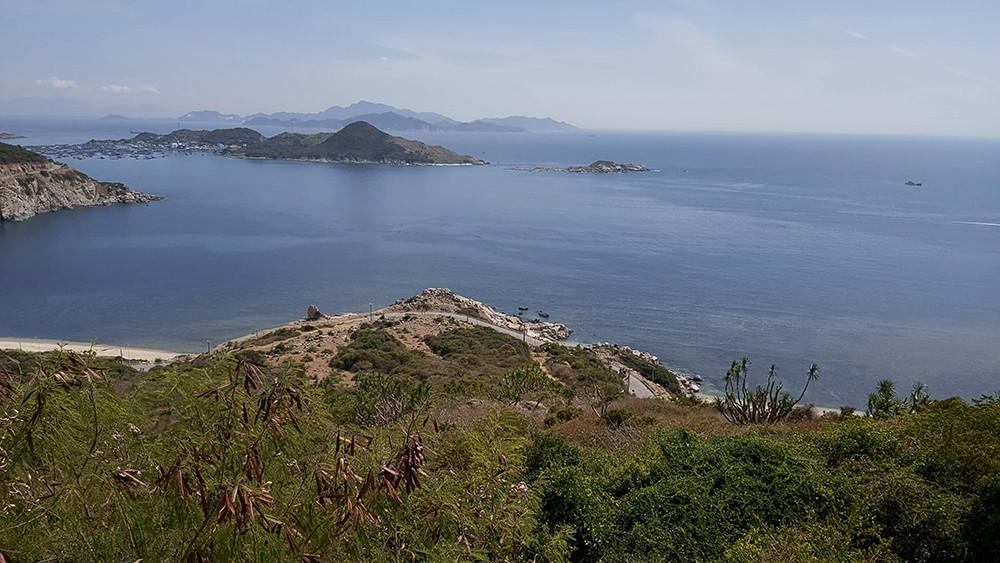 Đường đèo Vĩnh Hy – Con đường ven biển đẹp bậc nhất Việt Nam - 1