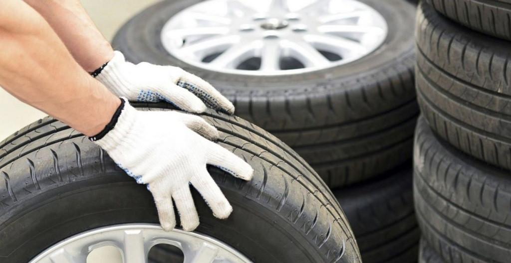 chăm sóc lốp xe