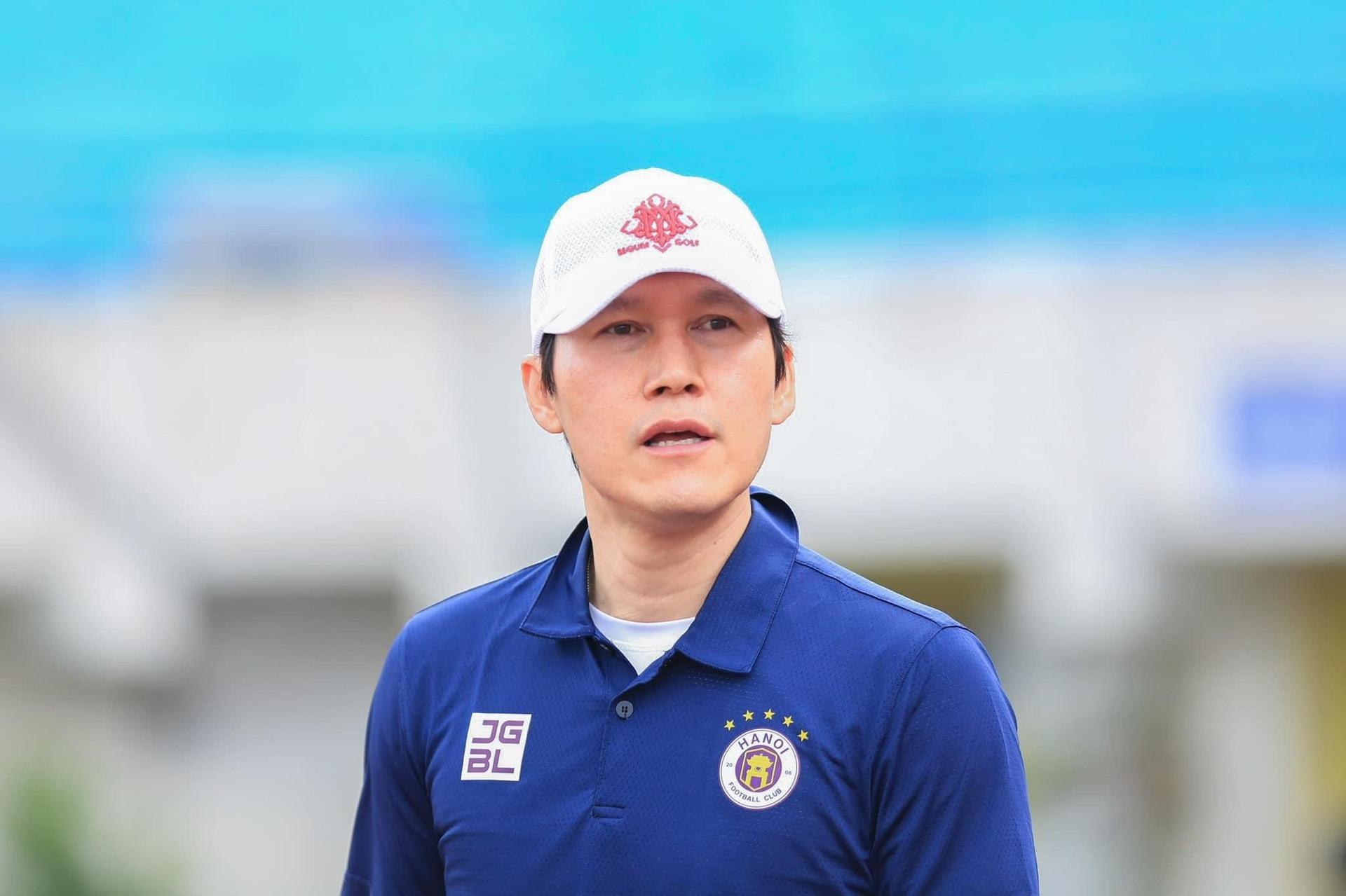 Hà Nội FC không đồng ý hoãn V-League sang năm 2022  - 2