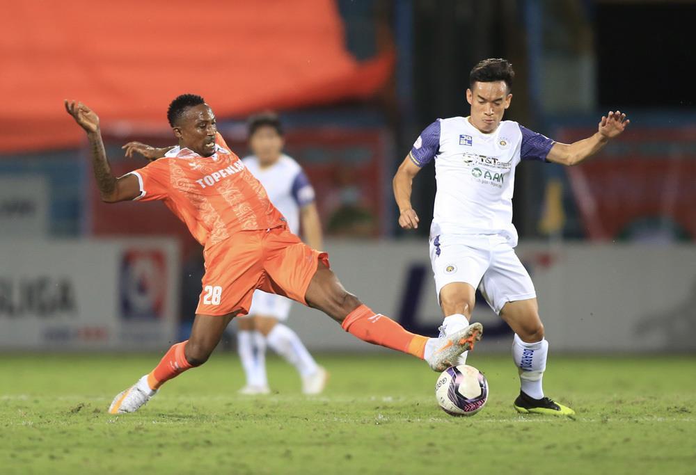 Hà Nội FC không đồng ý hoãn V-League sang năm 2022  - 1