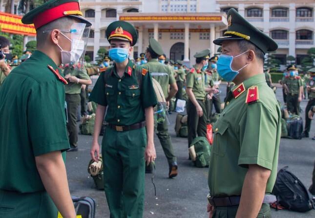 Chi viện thêm 150 học viên An ninh vào điểm nóng COVID-19 - 1