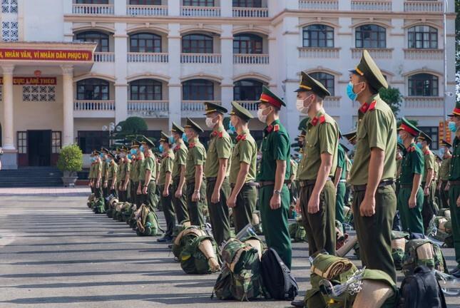 Chi viện thêm 150 học viên An ninh vào điểm nóng COVID-19 - 2