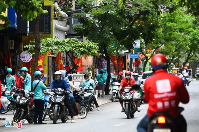 Hà Nội dừng một số dịch vụ xe công nghệ - 1