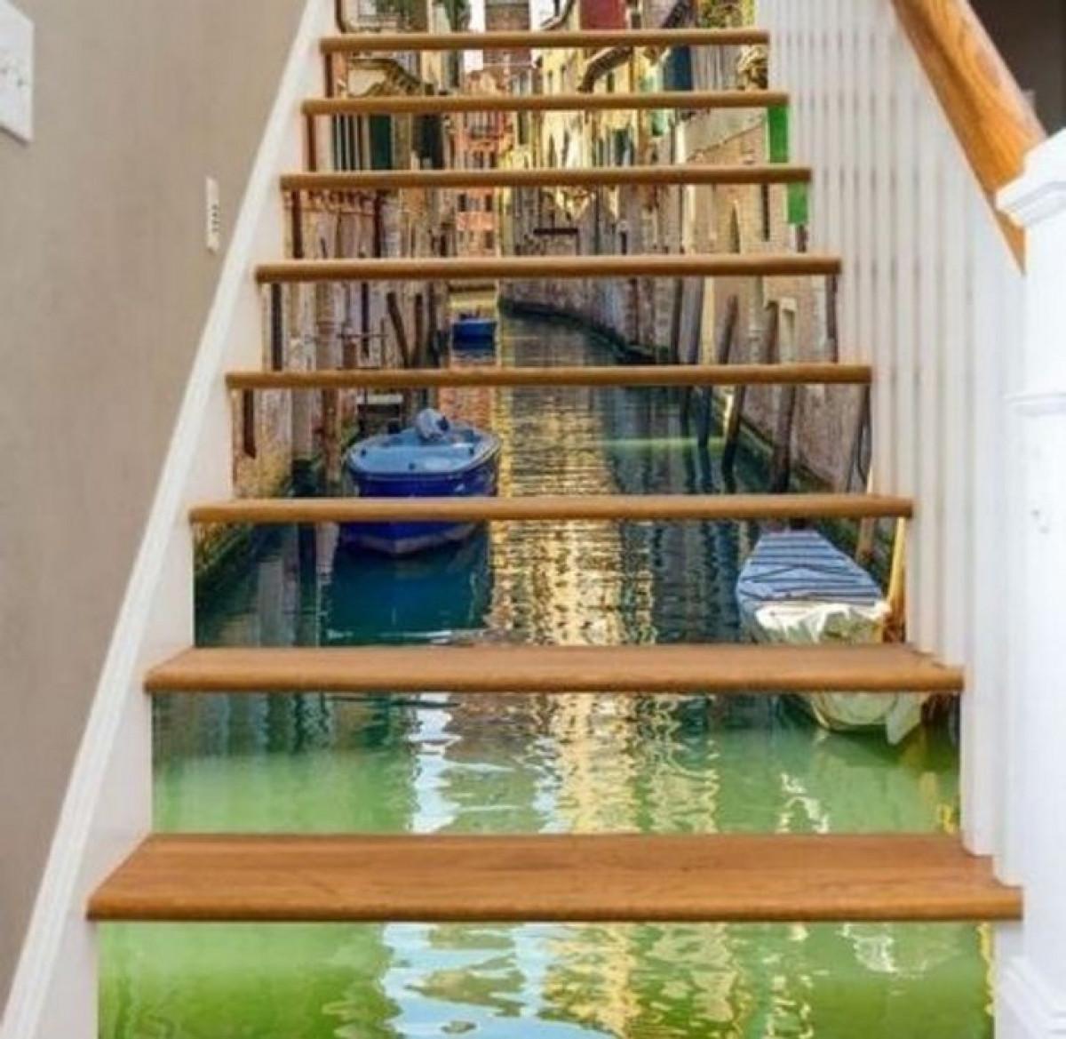 Thêm khung cảnh đường phố vào cầu thang của bạn.