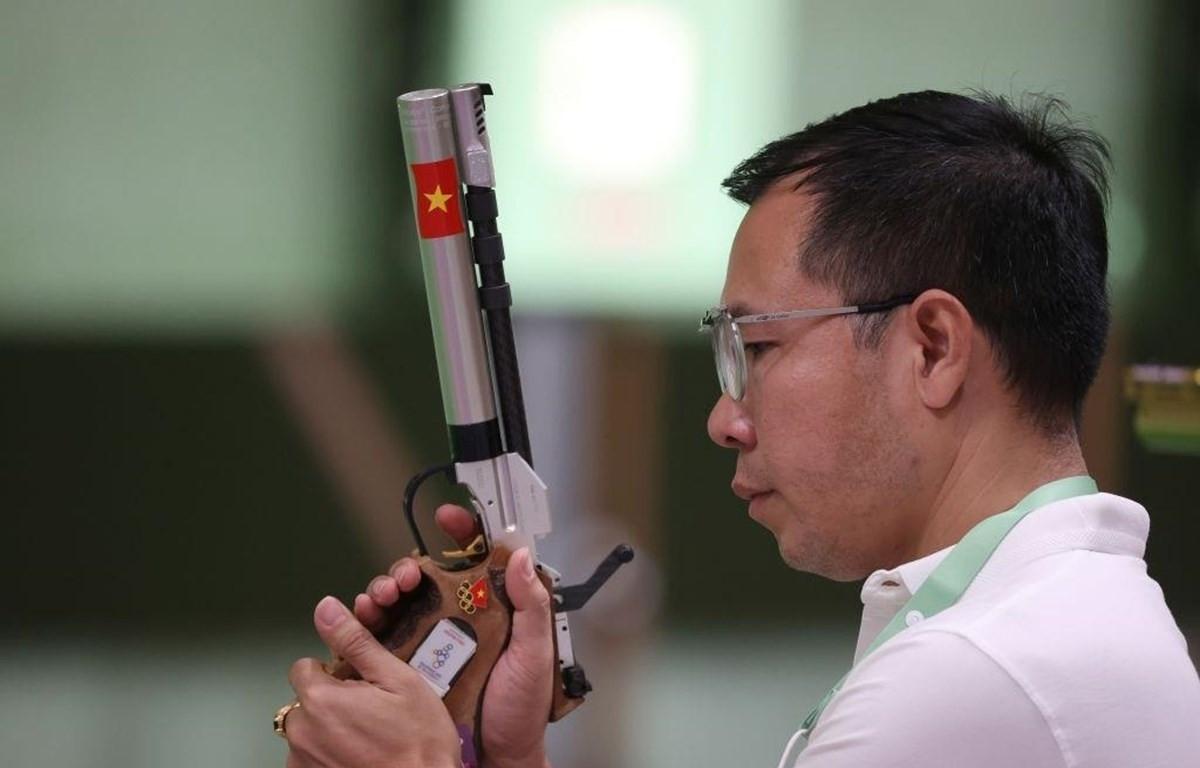 Hoàng Xuân Vinh không bảo vệ được tấm HCV Olympic. (Ảnh: Getty)