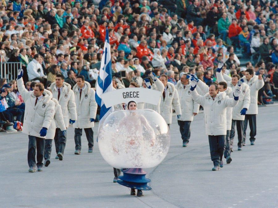 20 bộ trang phục gây ấn tượng ở các kỳ Thế vận hội Olympic - 4