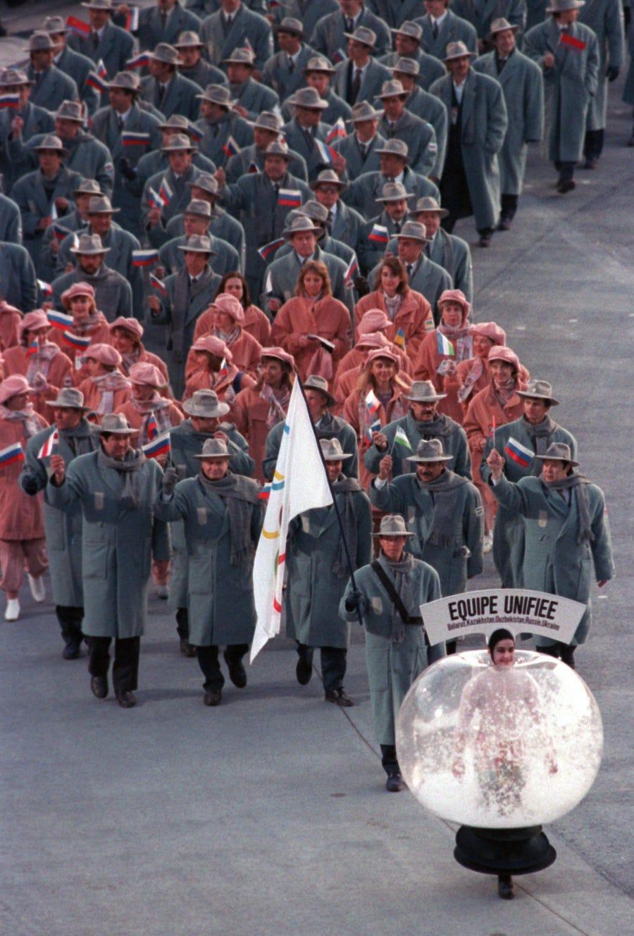 20 bộ trang phục gây ấn tượng ở các kỳ Thế vận hội Olympic - 5