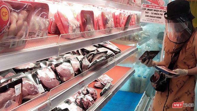 Hàng hoá trong các siêu thị ở TP.HCM đang dần bình ổn trở lại - Ảnh: Hoà Bình