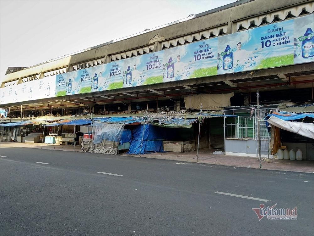 Hai giờ sáng chờ mua cá tươi, buổi chợ nhớ đời của cô gái Sài Gòn