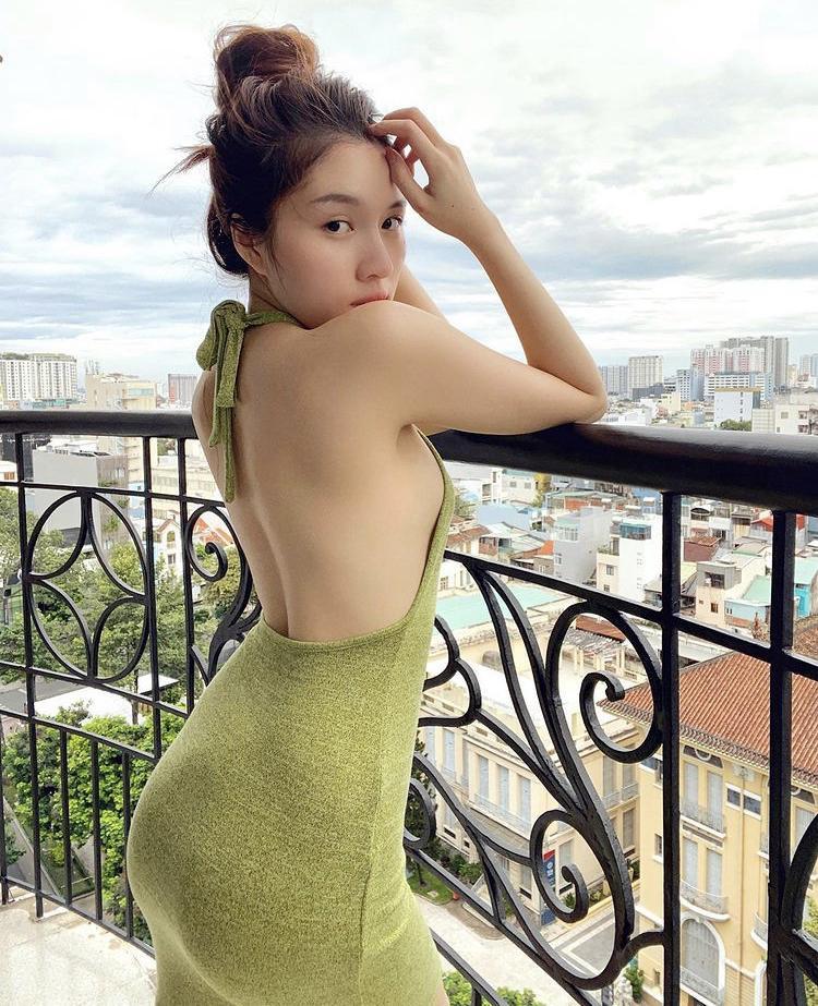 Lệ Quyên, Minh Triệu khoe body nức nở với xanh chuối hot trend-9