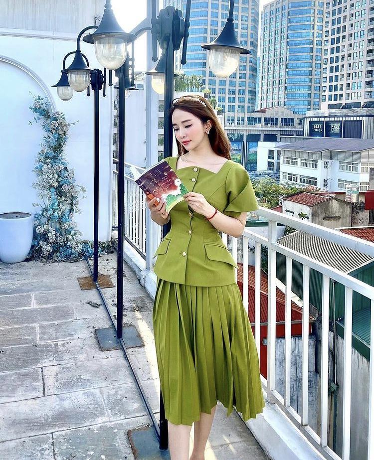 Lệ Quyên, Minh Triệu khoe body nức nở với xanh chuối hot trend-8
